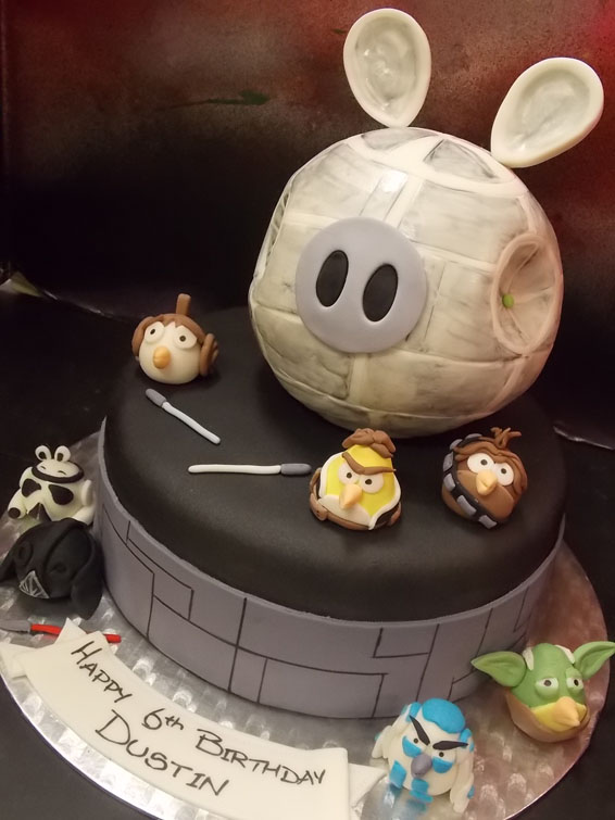 Star Wars Angry Birds themed cake