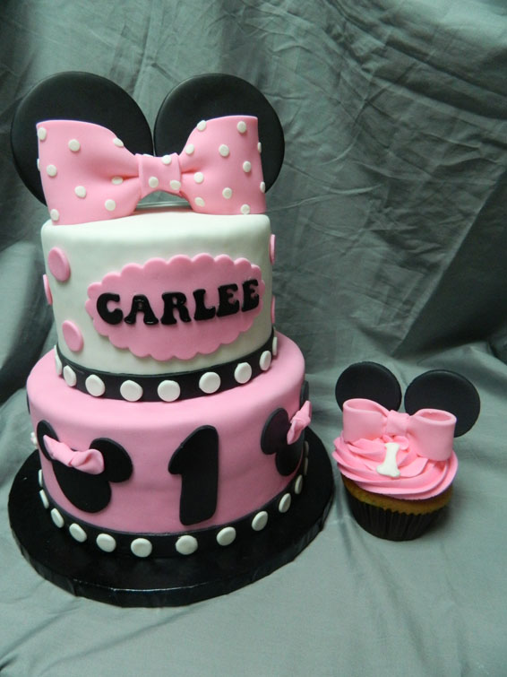 Minnie Mouse themed custom birthday cake with matching