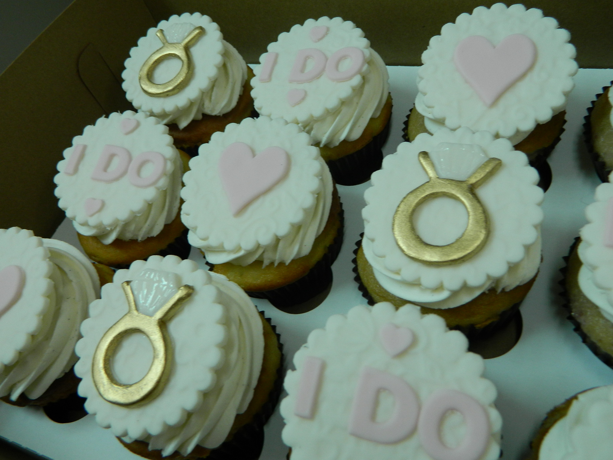 Engagement themed custom cupcakes