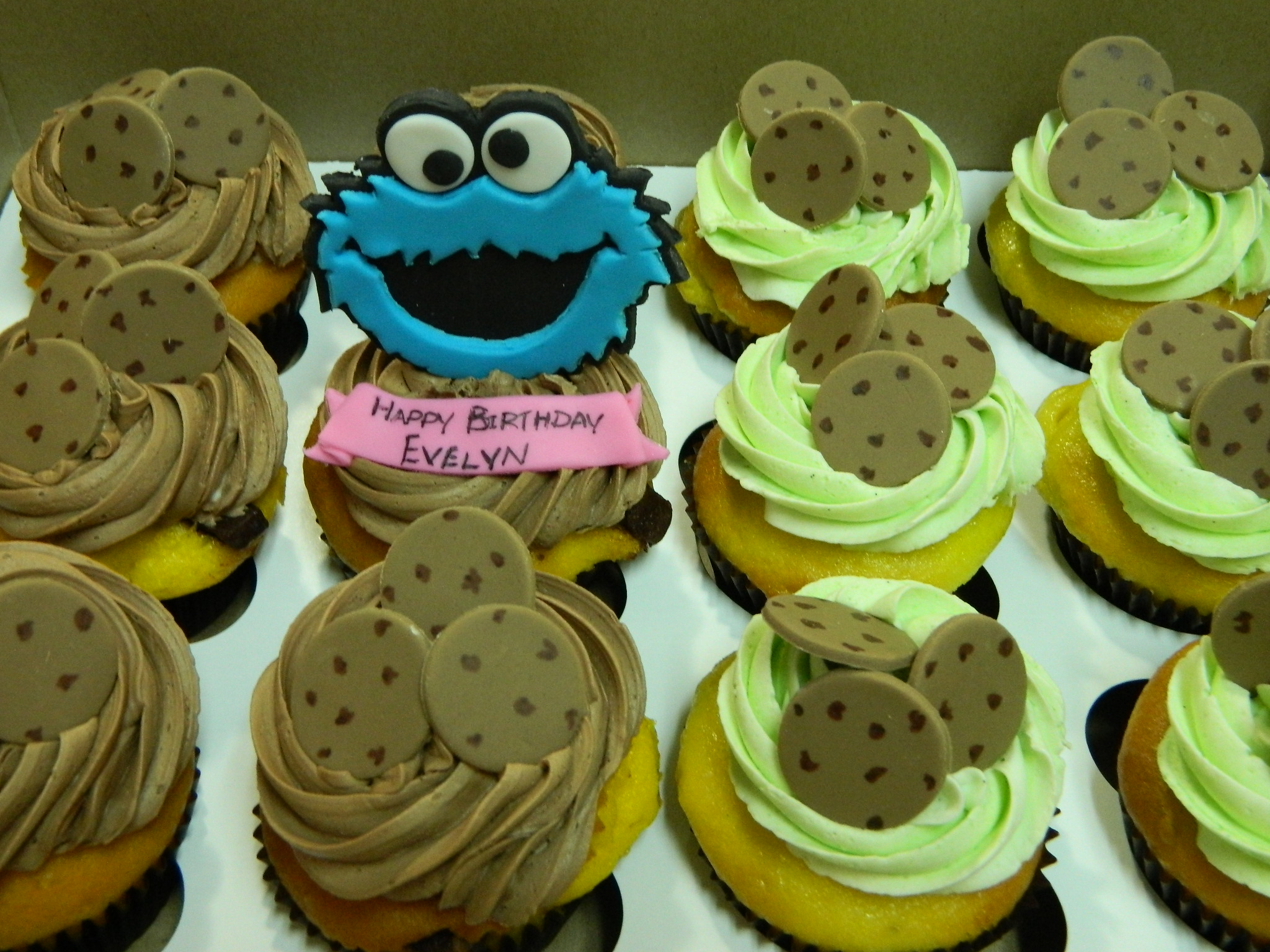 Cookie Monster themed custom cupcakes