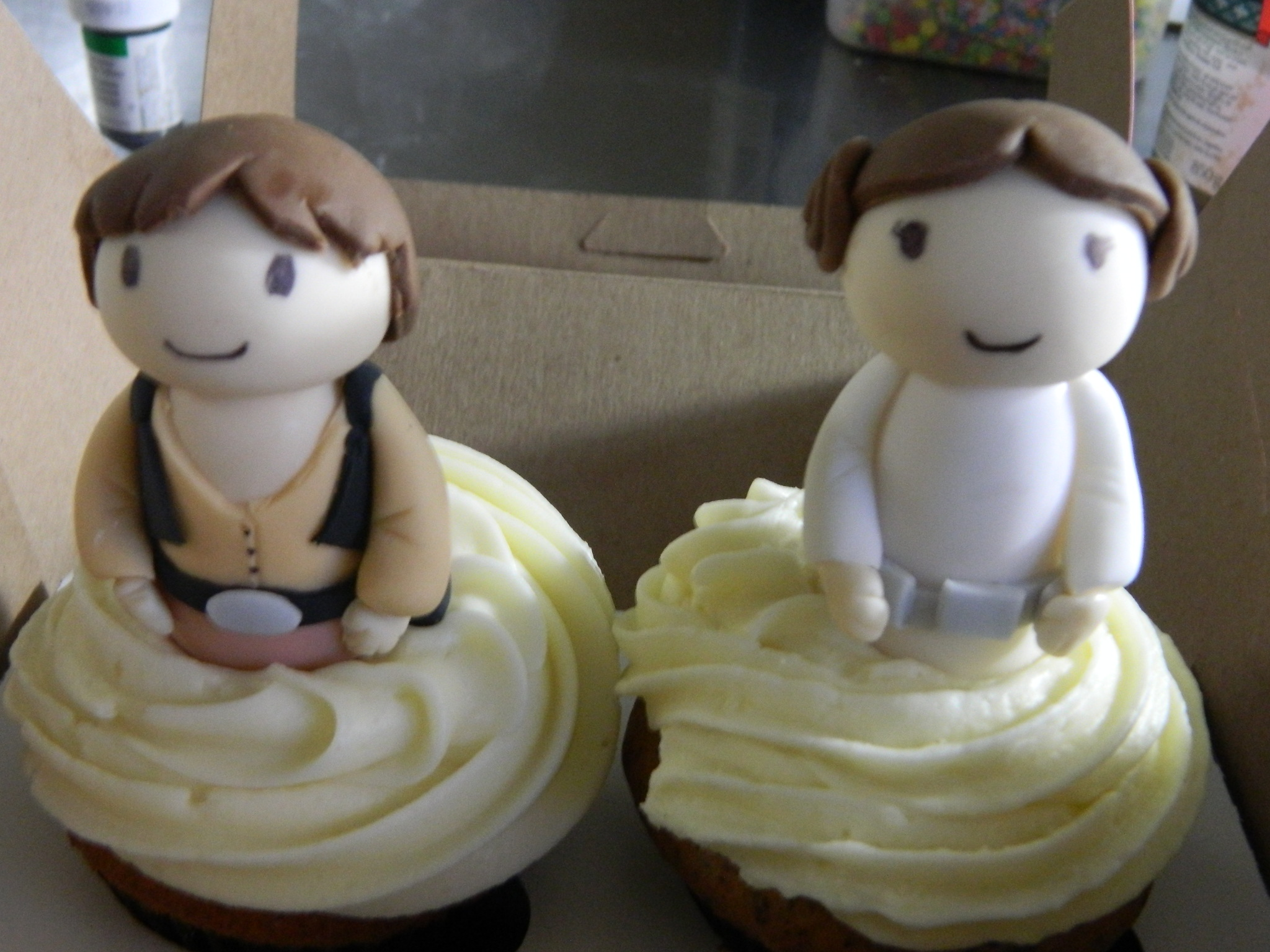 Star Wars Themed Wedding Topper Cupcakes